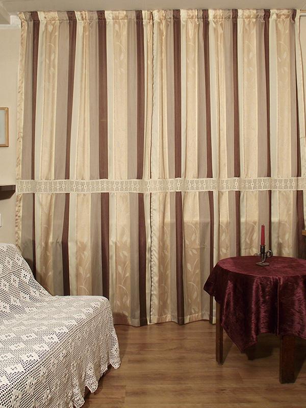963eeacd4de ... maksnud heegeldatud voodikate. Restaureeri see. Kata heegeltekiga mõni  lähedalasuv voodi ja lükka see akna kõrvale, sinna, kus on äsjavalminud  kardinad.